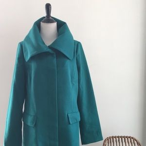 Tinley Road emerald green large collared coat L